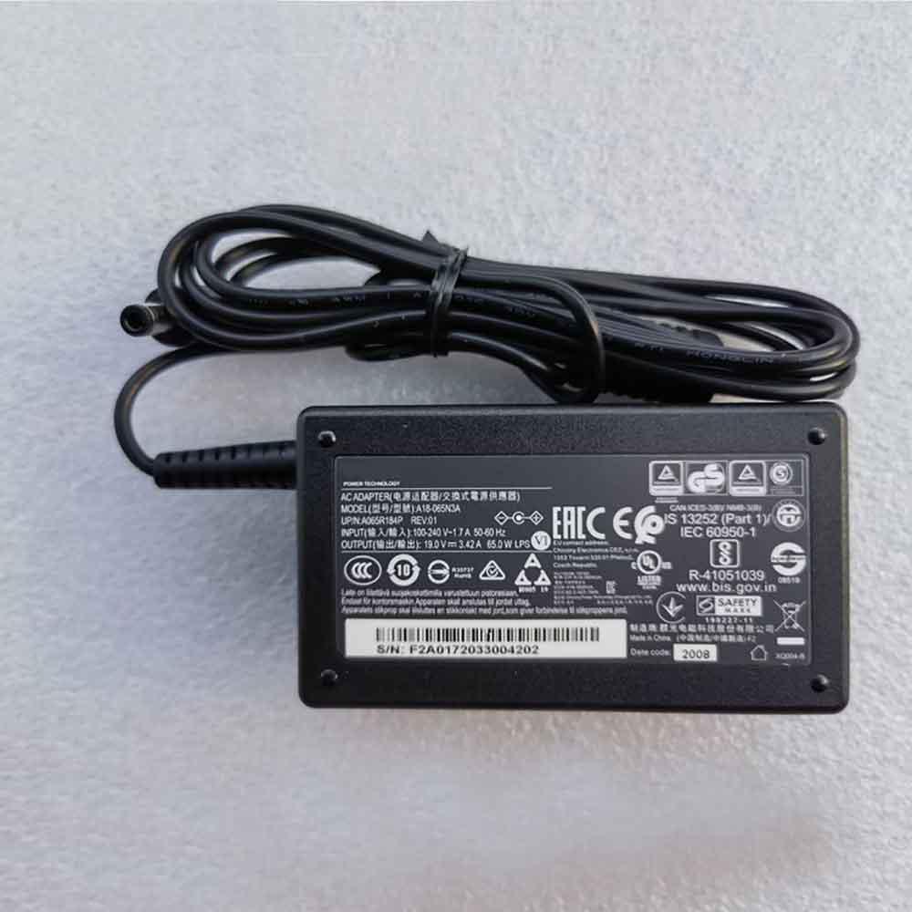 19V  3.42A, 65W Toshiba AKKUS